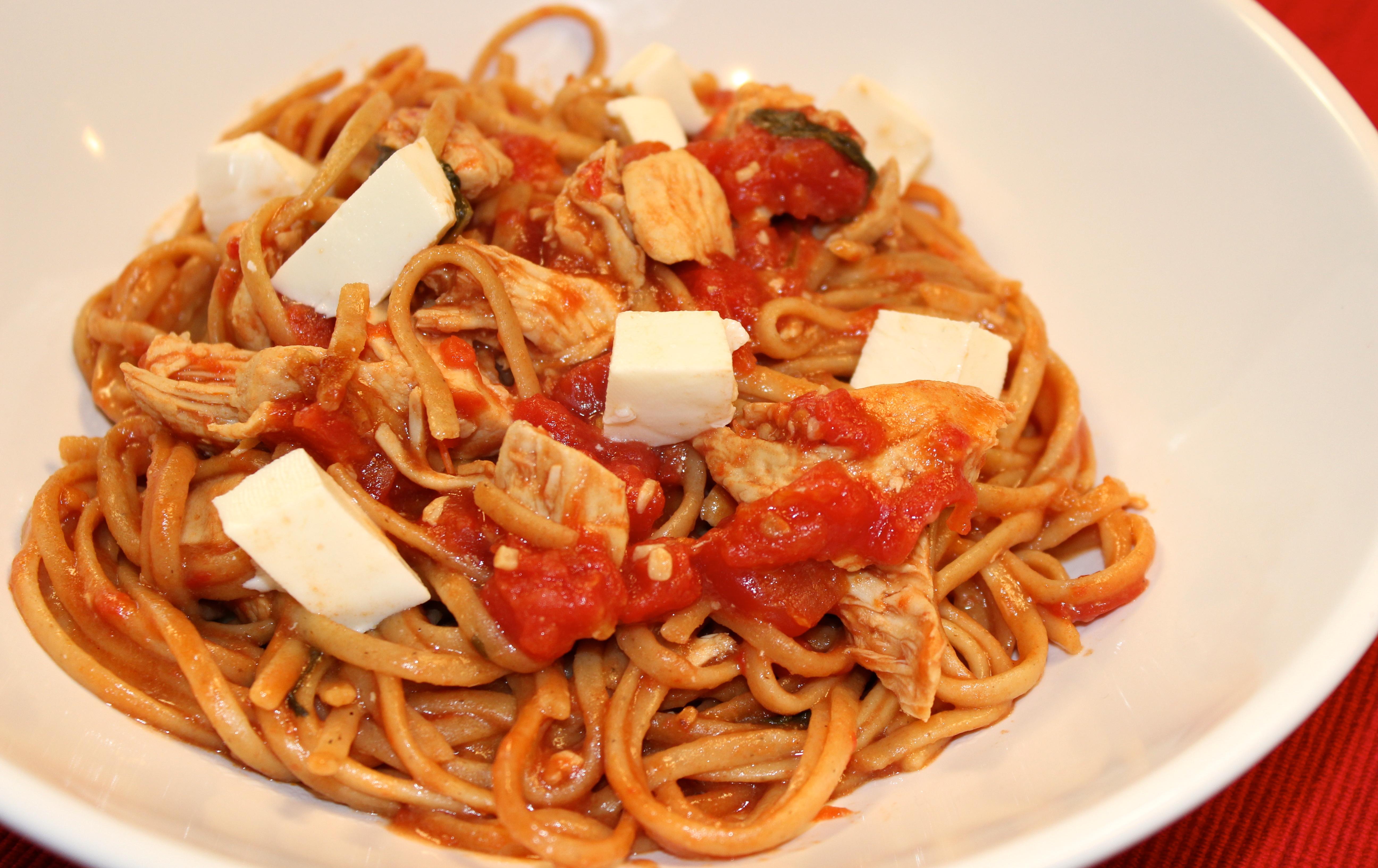 Skinny One Pot Chicken Caprese Pasta - Mitzi Dulan, America's ...